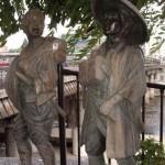 弥次喜多の像